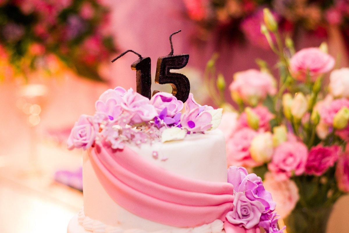 Verjaardag met verjaardag taart door Saffraan Catering