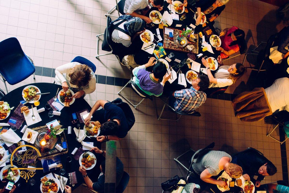 zakelijke diner op locatie organiseren met saffraan catering diensten